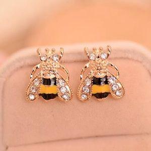 Jewelry - Darling bee pierced crystal stud earrings NWT
